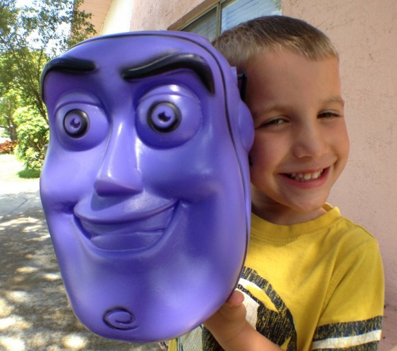 halloween-buzz-lightyear-treat-bucket-james